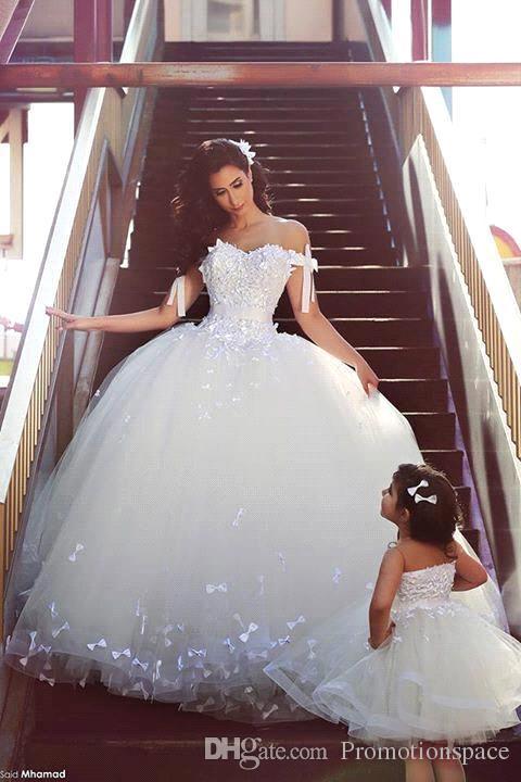Новое поступление 2015 сексуальная с плеча корсет мяч платья свадебные платья с кружевной молнией аппликации без спинки свадебные платья на заказ