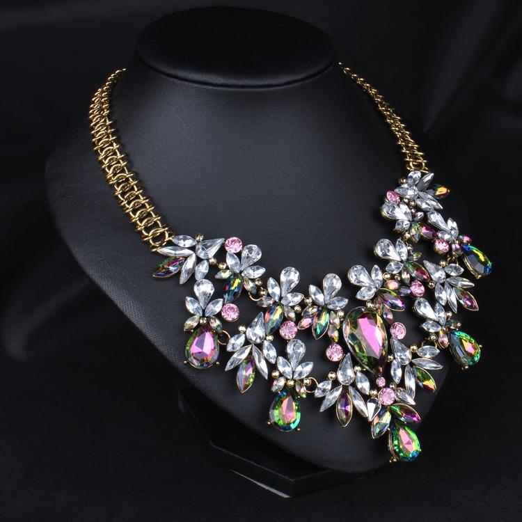 Mode À La Mode De Luxe Chunky Coloré Cristal Fleur Déclaration Collier Ras Du Cou De Haute Qualité Floral Bijoux Pour Les Femmes En Gros 5 Pcs