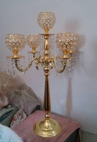 En beğenilen 1 grup = 4 adet 76 cm yükseklik 5-arms metal Kristal kolye ile düğün mumluk Metal Altın şamdanlar Olay merkezinde