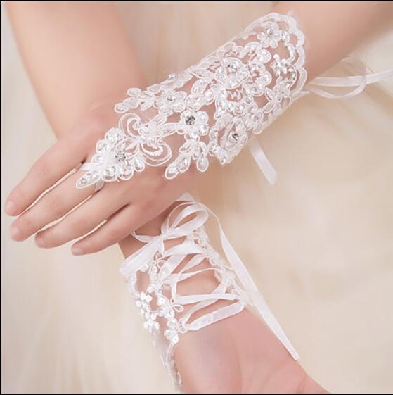 Nowe Sexy Rękawice bez palców Wedding Bridal Rękawiczki Akcesoria Zroszony Koronkowe Rękawiczki