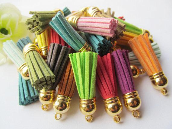 Free Shipping 100Pcs 39mm Mixed Suede Leather Jewelry Tassel For Key Chains/ Cellphone Charms Top Plated End Caps Cord Tip