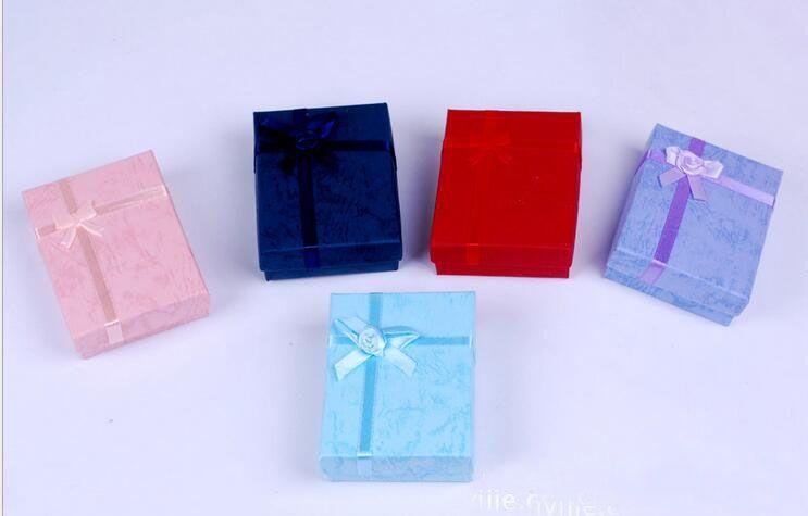 7cm * 9cm * 2.5cm Displaydoos, sieraden doos, ringdoos, ketting doos, geschenkdozen, 48pcs / lot, diverse kleur leveren