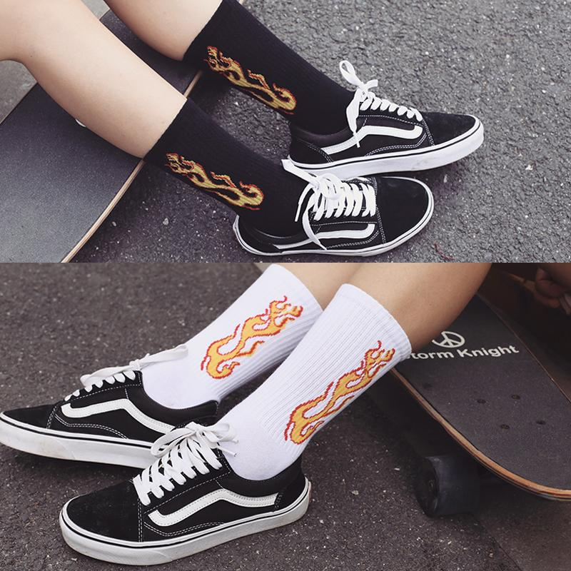 Unique Design Popular Flame Logo Lovers Fire Socks Hipster Mens Skateboard Socks Art Funny Male Cotton Harajuku Socks
