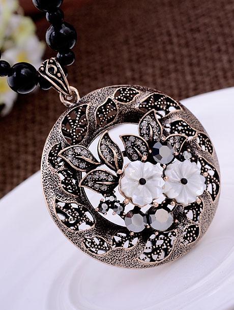 moon flower plate pendant (5.2*6.5cm) jade beads chain lady's necklace (64+extra 6cm)(woniu152)