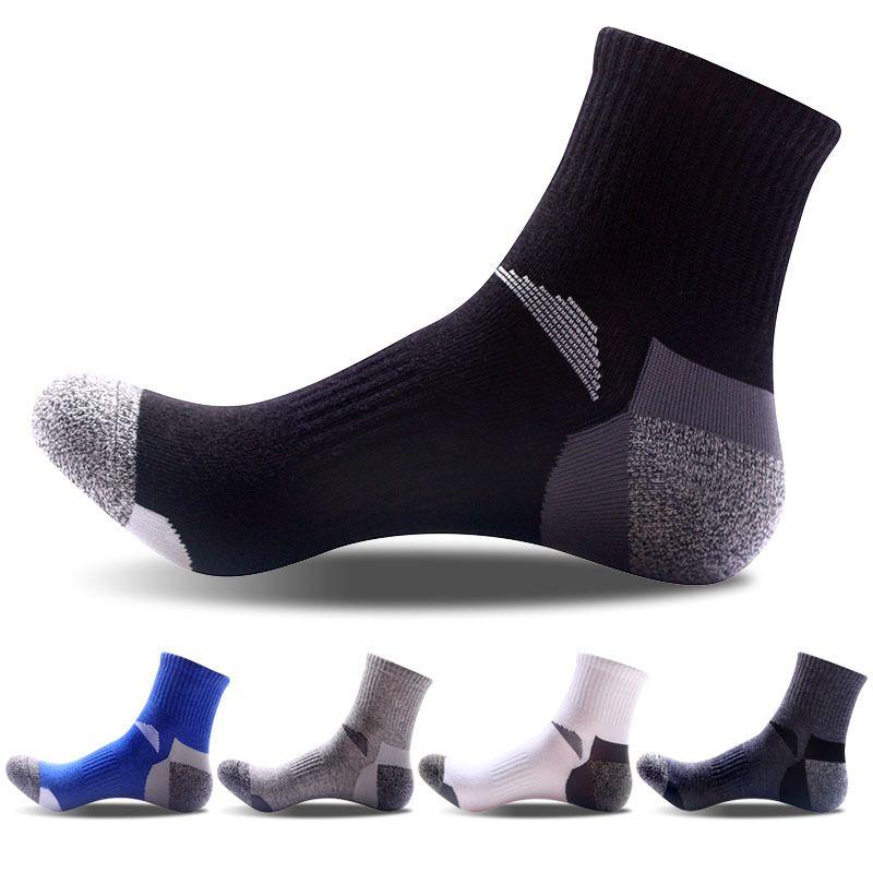 Toptan-2020 Bahar Yeni Moda Nefes Pamuk Rahat Erkekler Çorap Yüksek Kaliteli Adam Spor Çorap Boyutu 40-45, 10 adet = 5 çift / grup