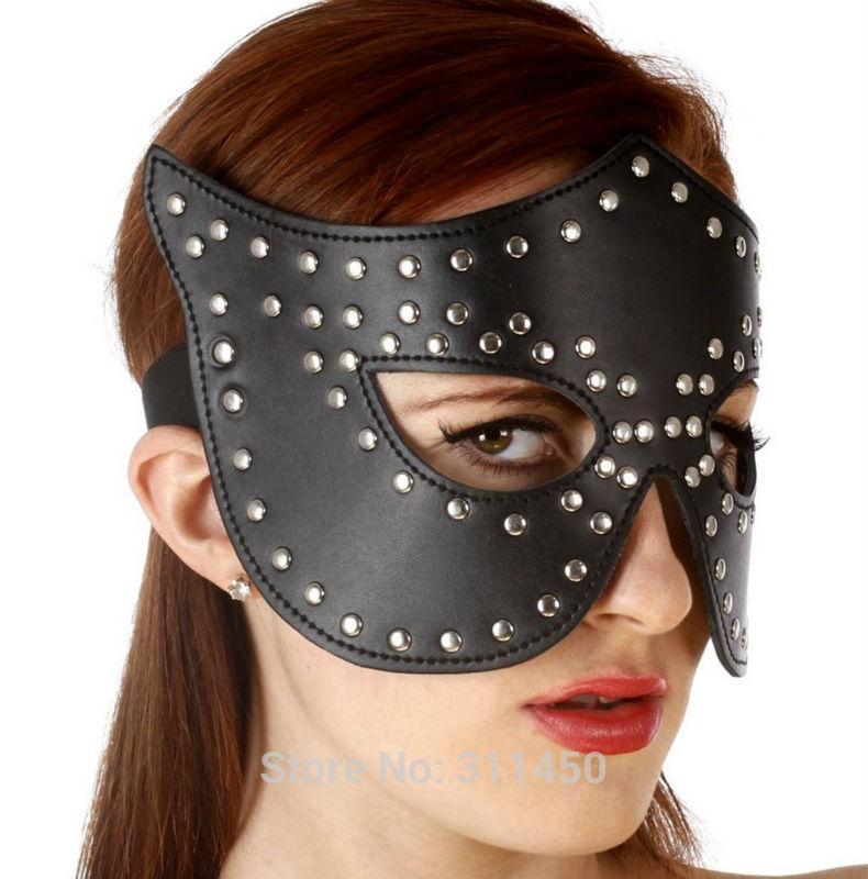 Сексуальная кожаная маска