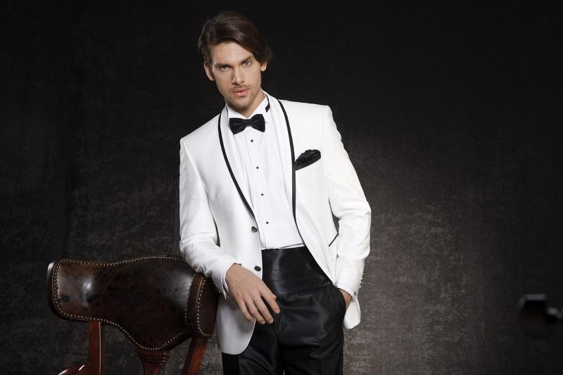 Black And White Wedding Suits For Men Shawl Lapel Groom Tuxedos Groomsmen Two Button Best