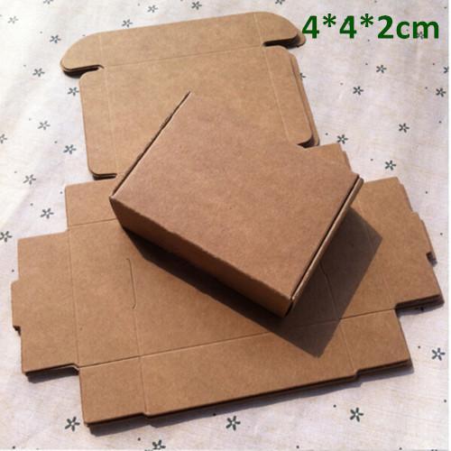 Piccolo 4 * 4 * 2 * 2 cm scatola di carta kraft scatola regalo per gioielli perla caramelle sapone fatti a mano scatola da forno da forno panetteria biscotti torta biscotti al cioccolato confezione confezione