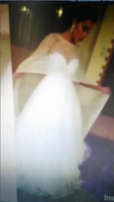 탈착식 블링 블링 케이프 라인 2016 웨딩 드레스 Sweetheart Neckline Court Train Tulle Bridal Gowns