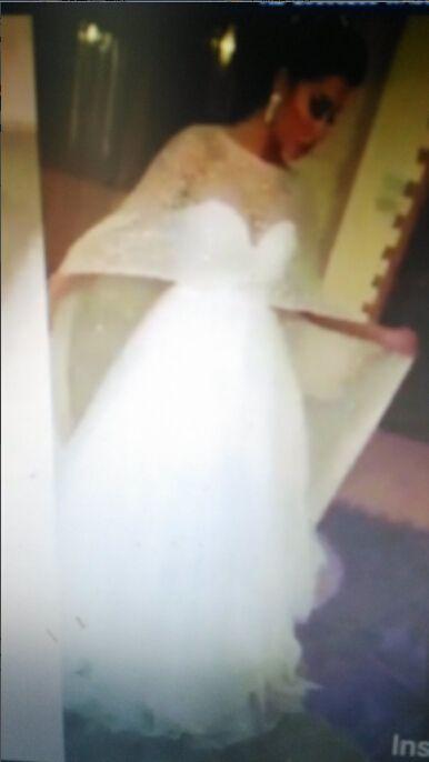 2016 bröllopsklänningar med avtagbar blingbling cape a line sweetheart neckline domstol tåg tulle brudklänningar