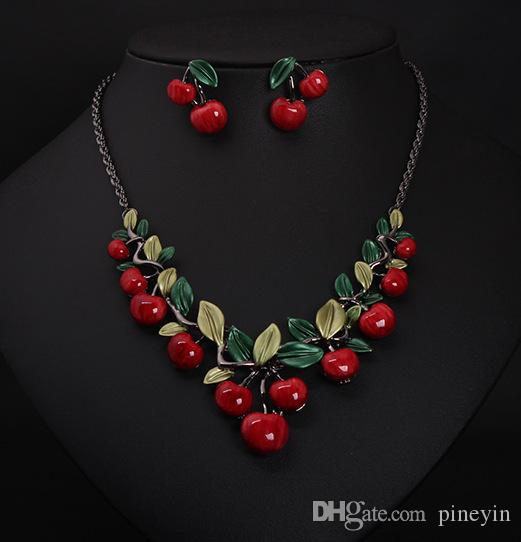 Vintage Red Cherry Pattern Necklace Earrings Jewelry Set New Fashion Statement Jewelry for Party Set Cute Gift wedding jewelry