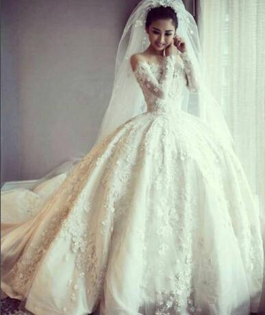 Bollkakor Bröllopsklänningar 2016 Vestidos de Novia Sheer Crew Neckline med Långärmade Kapell Tåg Lace Appliqued Beaded Bridal Gowns