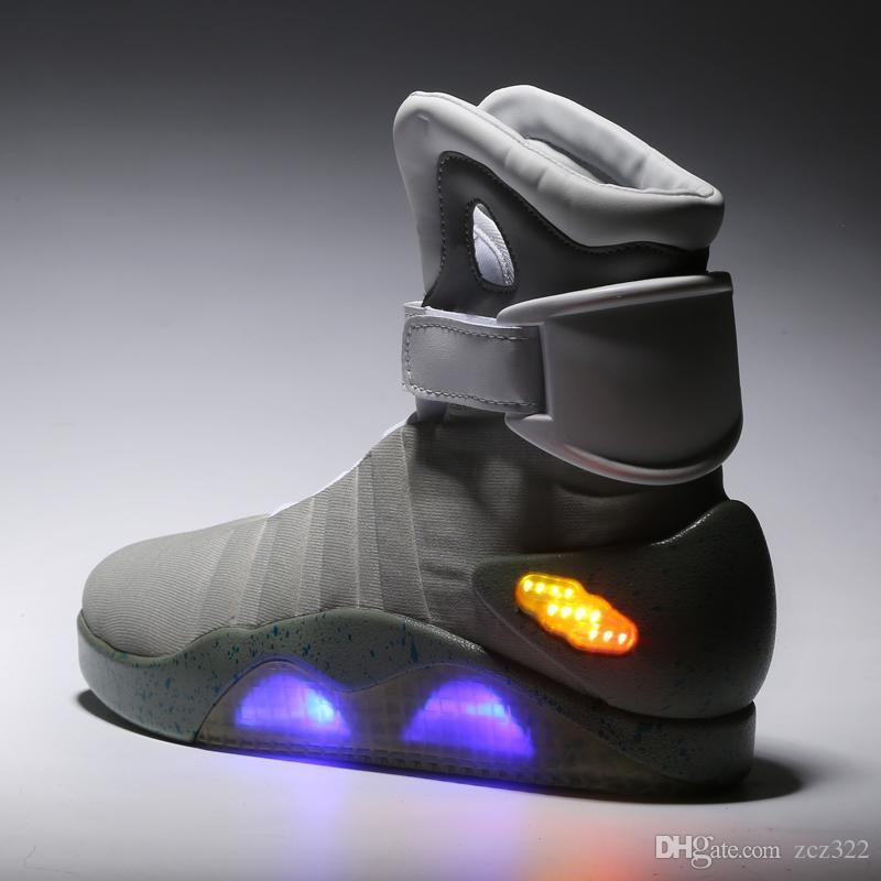 LED Schuhe Zur Glow Mag McFlys Zukunft Sneakers Mag Schwarz Mit Top McFlys Zurück Marty Air The Sneakers Marty Qualität Dark Grau Box Großhandel In 5RL4Aj3