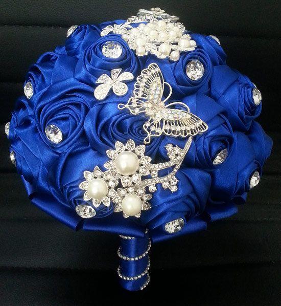 クリスタルラインストーンパールのロイヤルブルーロマンチックなローズのウェディングブーケの花嫁のユニークなためのフラワーブーケ