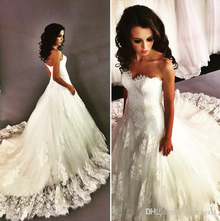 Robes de mariée Vintage 2016 A-ligne robes de mariée en dentelle Nouvelle arrivée sans manches Sweetheart lacets Back Court Train