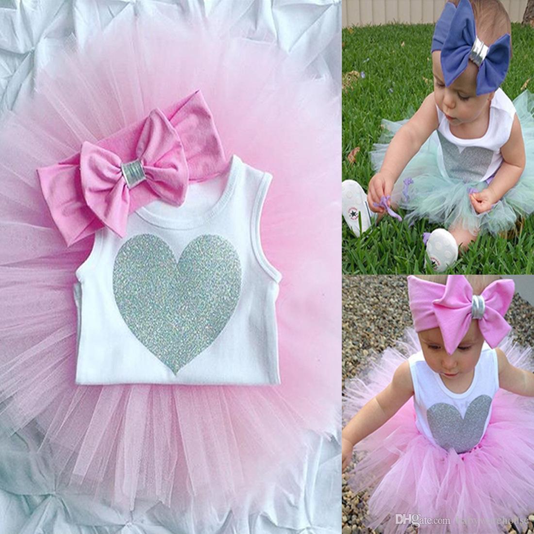Sommer Baby Mädchen Kleidung Set Neugeborenen Herz Form Strampler Overall Tutu Rock Bowknot Stirnband 3 stücke Outfit Kinder Kleidung Set 2 Farben