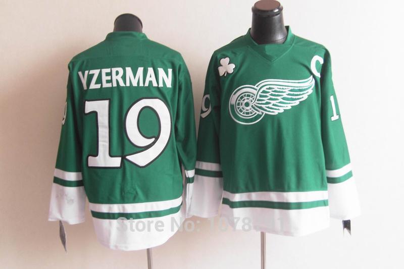 19 Steve Yzerman Green