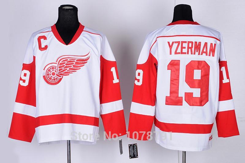 19 Steve Yzerman Red Sleeves