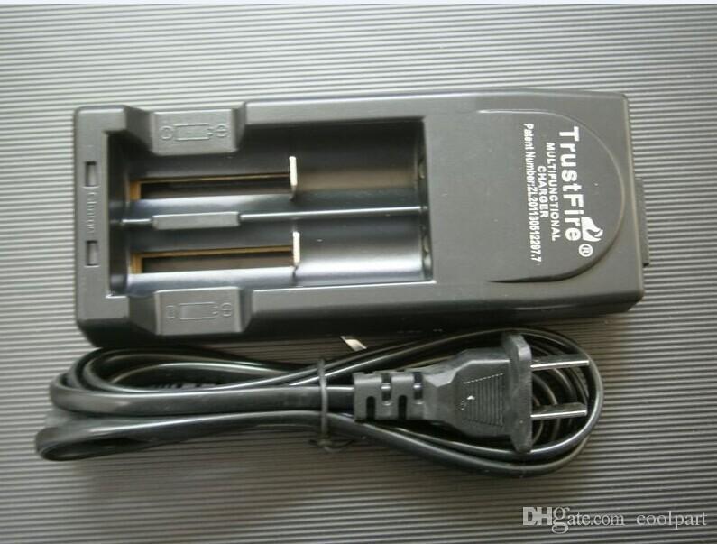 원래 신뢰 화재 AU 영국 유럽 연합 미국 충전기 trustfire tr-001 다기능 충전식 충전식 리튬 16340 18500 18650 리튬 이온 배터리