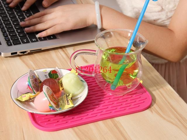 500pcs / lot Fedex DHL 무료 배송 실리콘 단열 저녁 식사 테이블 매트 컵 머그잔 접시 코스터