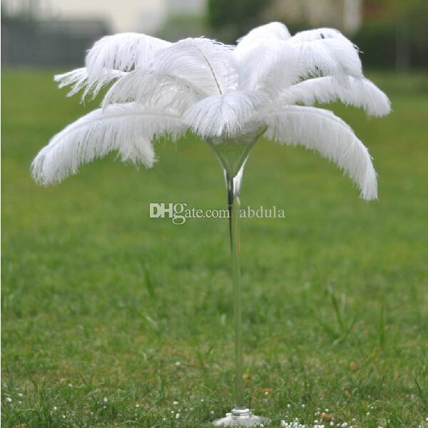 Las plumas de avestruz barato blanco 50-55cm 20-22 pulgadas fiesta de la boda de avestruz Plumaje teñido Plume Tabla Centros de mesa centros de mesa Centro de mesa