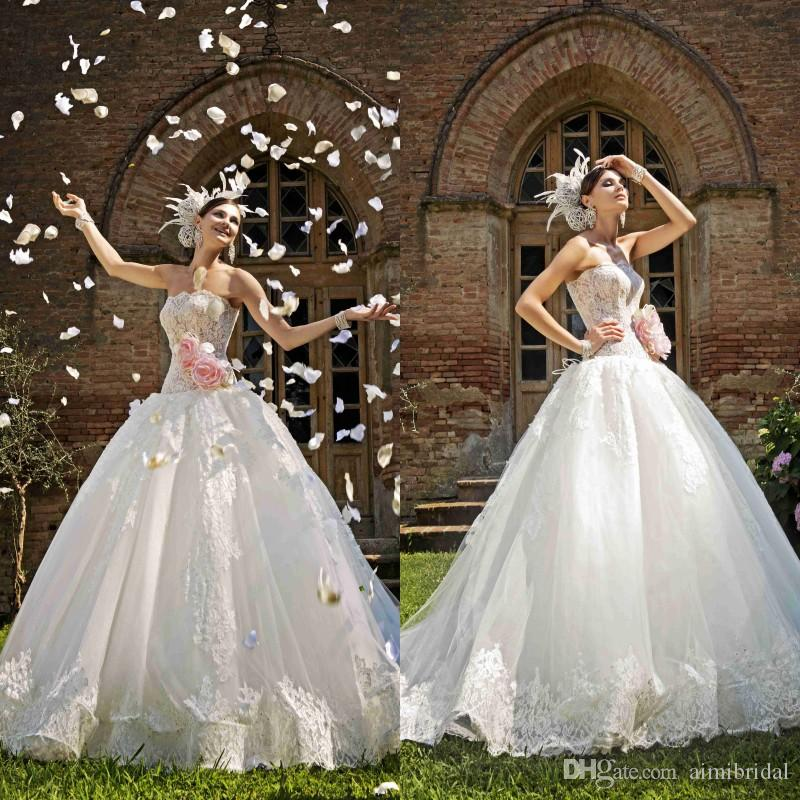 2018 Dress Wedding Style Castle Wedding Gowns Illusion Vintage Lace Bridal  Gowns Strapless Beads With Handmade Flower Zipper Back Tulle 2018 From  Aimibridal ...