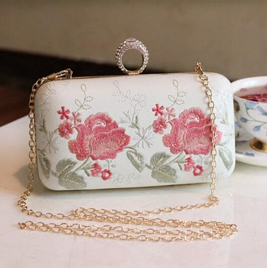 Fabulous Embroidery Flowers Flap Bridal Hand Bags 2016 Vintage Women Clutch Bags For Party Evening Bridesmaid Real Image EN3021