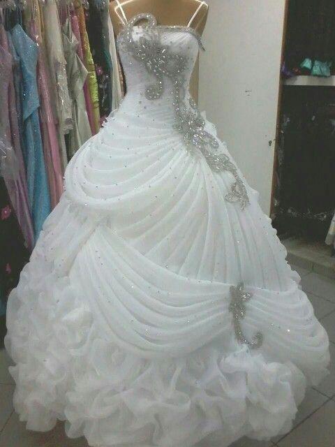結婚式のガウンのドレス高級ウェディングドレスクリスタルビーズスパンコールのフリル線のウェディングドレススイープ列車ボールガウンエレガントなアラビア語