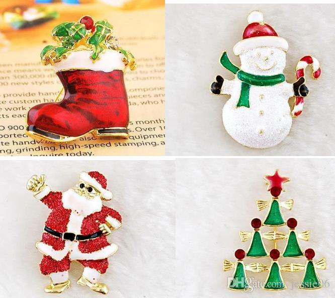 Christmas Brooches And Pins.2019 Christmas Brooches Pins Gold Plate Christmas Tree Snowman Santa Claus Jingle Bells Brooch Tie Pin Scarf Hat Bag Accessories Women Party Gift From