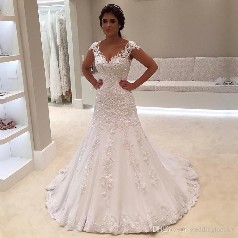 Glitzernde arabische Brautkleider mit V-Ausschnitt ärmellose Perlen Spitze Applikationen A Line Mermaid Custom Made V-Ausschnitt Brautkleider