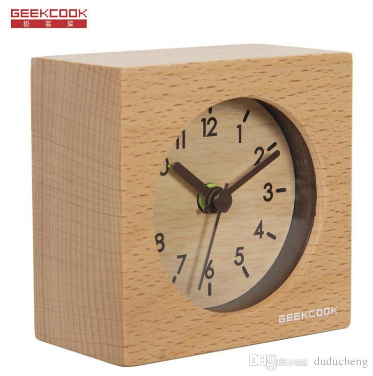 2018 solid wood clocks mute intelligent small squares alarm clock