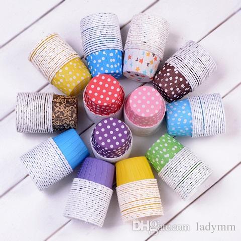 Большой размер 10,000Pcs Baking Cups Симпатичные точки Твердый цветной торт для пирожных Рождественская свадьба Красивый дизайн Смазочные бумажные кексы для покупок