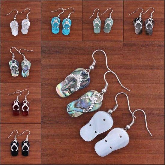 Commercio all'ingrosso 10 paia di fascino naturale bianco / nero colorato Abalone shell pantofole forma ciondola gancio orecchino donne gioielli Eardrop
