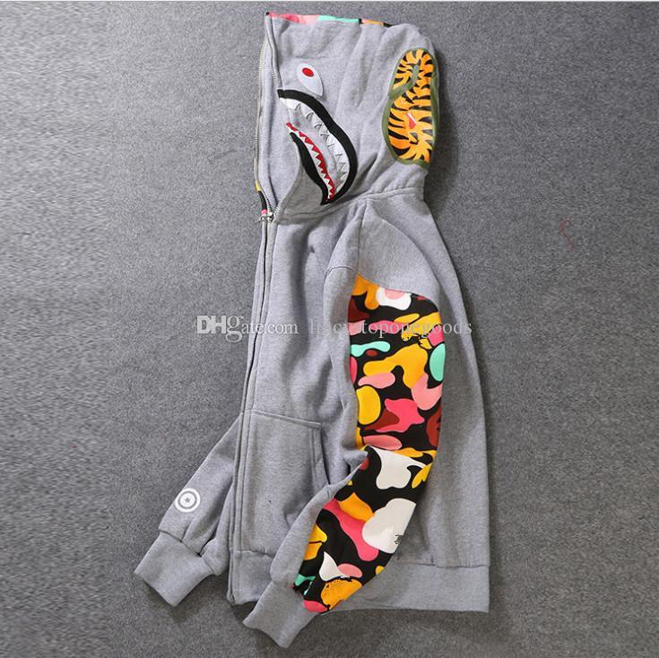 Chaqueta de sudadera con capucha de los nuevos hombres Camisa de camuflaje gris Tiburón de los hombres con capucha de la ropa interior de la sudadera con capucha de la ropa interior de algodón con capucha