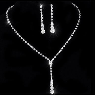 저렴한 크리스탈 신부의 쥬얼리 세트 실버 도금 목걸이 다이아몬드 귀걸이 신부를위한 웨딩 보석 세트 신부 들러리 여성 신부 액세서리