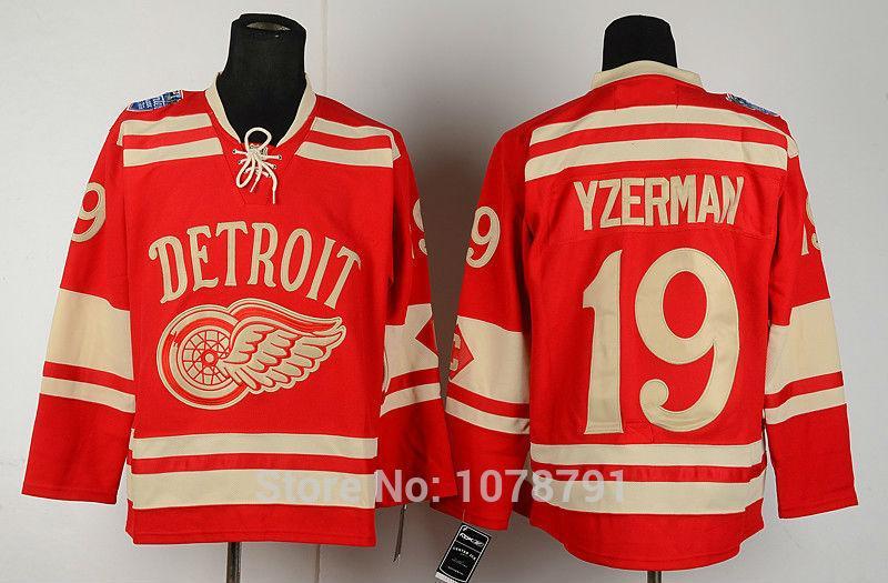19 Steve Yzerman Red Gold