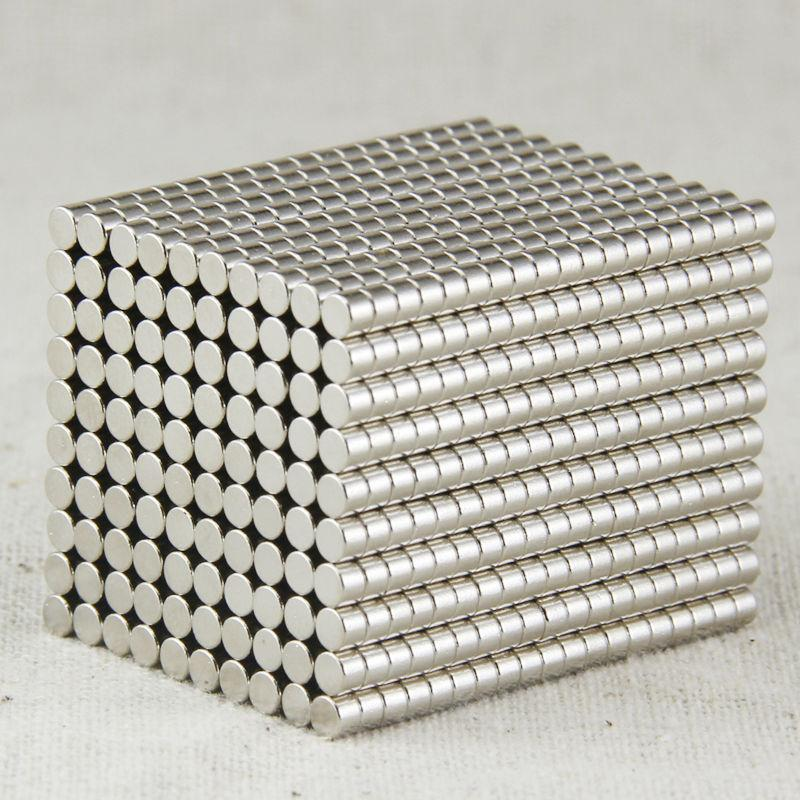 100pcs/lot 3X2mm Neodymium Disc Super Strong Rare Earth N35 Small Fridge Magnets 3mm magnets games magnets N35