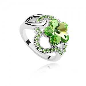 Fashion Emerald Rings Korean style Flower Shape Crystal Diamond ring Luxury Amethyst Sapphire Emerald Glossy Plum flower Petal Rings