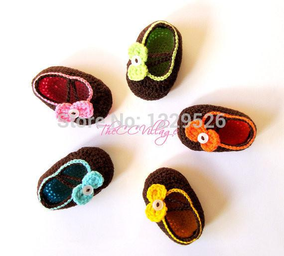 Brown Crochet baby shoes, Newborn baby girl shoes Pink, Green, Yellow and many col infant knitted first walker shoes 0-12M baby shoes custom
