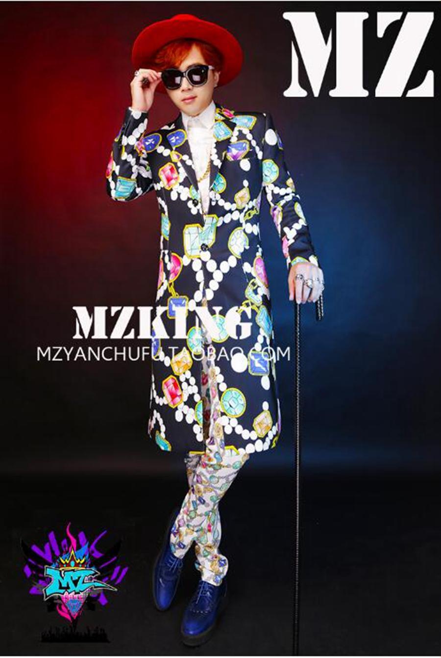 한국어 버전 활주로의 남성 싱어 유행 나이트 클럽은 색색의 보석 긴 정장 복장을 보입니다. S - 6 xl
