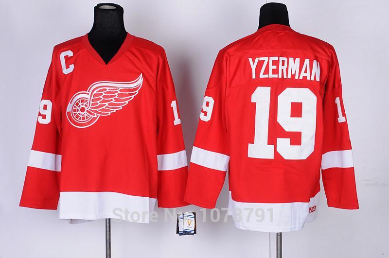 19 Steve Yzerman Red