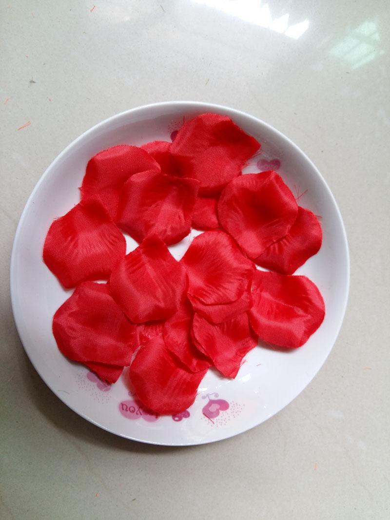 1000pc 레드 웨딩 테이블 장식 실크 장미 꽃잎 웨딩 꽃은 4.5 * 5cm 용품 도매 호의