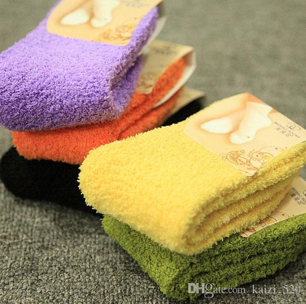 السيدات Fulffy الجوارب مع 18 الألوان الصلبة الجوارب النسائية غامض للشتاء جوارب النساء
