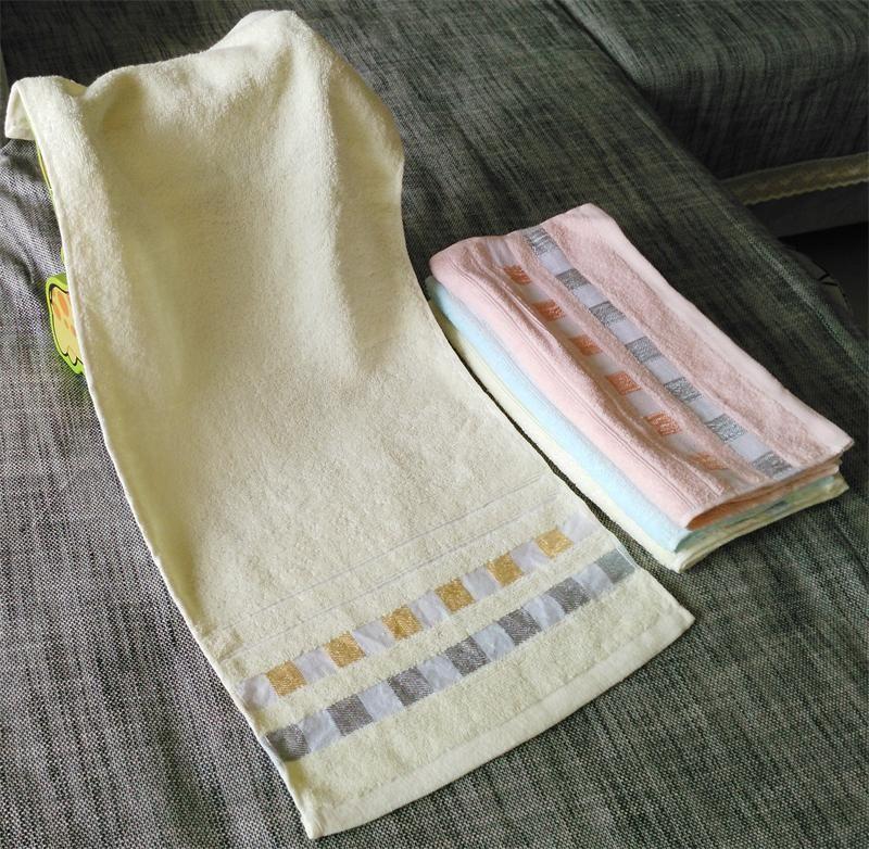 格子縞のフェイスタオルフェイスクロスグリッド100%コットンプリントタオルピンククリームブルーハンドタオルクロスチェック34 * 76