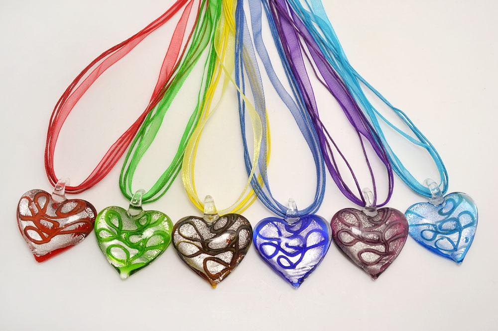 الجملة 6pcs مزيج handmade اللون الإيطالي venetian شفافة القلب المصباح قلادة murano الزجاج 3 + 1 قلادات الحرير nl0168m * 6