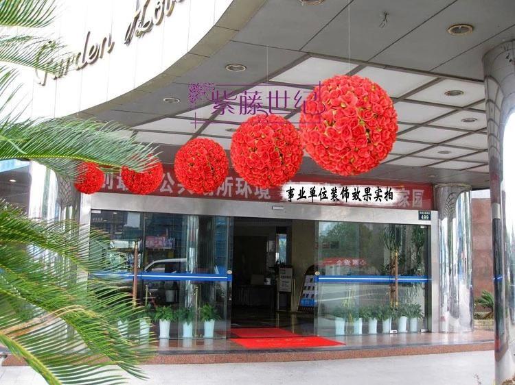 2014 Nowy Sztuczny Jedwab Kwiat Szyfrowanie Róża Kwiat Piłka Kissing Kulki Wiszące Kulka Na Boże Narodzenie Ozdoby Wesele Dekoracje