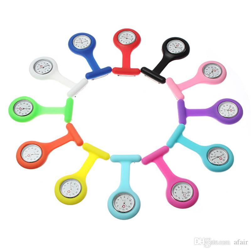 2016 Regalo de navidad Nueva enfermera Reloj médico Clip de silicona Relojes de bolsillo Moda Enfermera Broche Fob Túnica Cubierta Doctor silicona Relojes de cuarzo