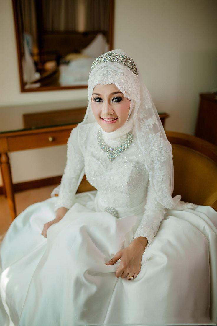 2015 bröllopsklänningar en linje arabiska islamiska muslimska långa ärmar spets approaches kristall pärlstav hög nacke med sashes mideast brudklänningar