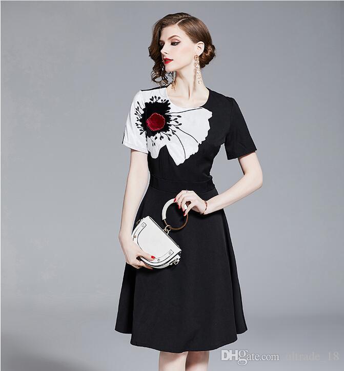 Экипаж партии лето черный вышивка шеи мини-платья летние женщины подсолнечника короткие середины ткани рукава платья rgdow