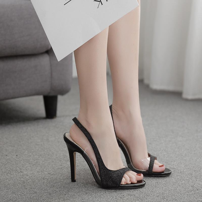 Новый дизайн класса люкс на высоких каблуках с открытым носком сандалии способа планки Stilettos ПВХ прозрачный сандалии платье партии Pumps черные туфли